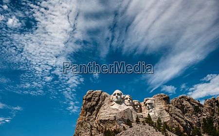 usa south dakota mount rushmore clouds