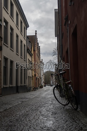 bike on the streets of bruges