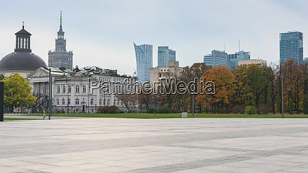 pilsudski square in warsaw