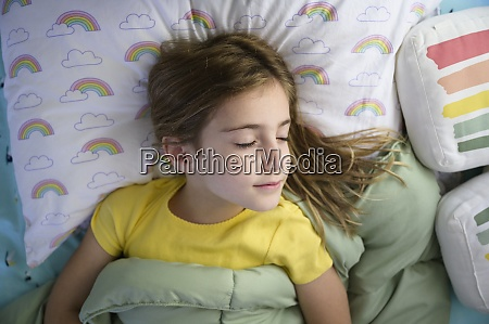 girl 6 7 sleeping in bed