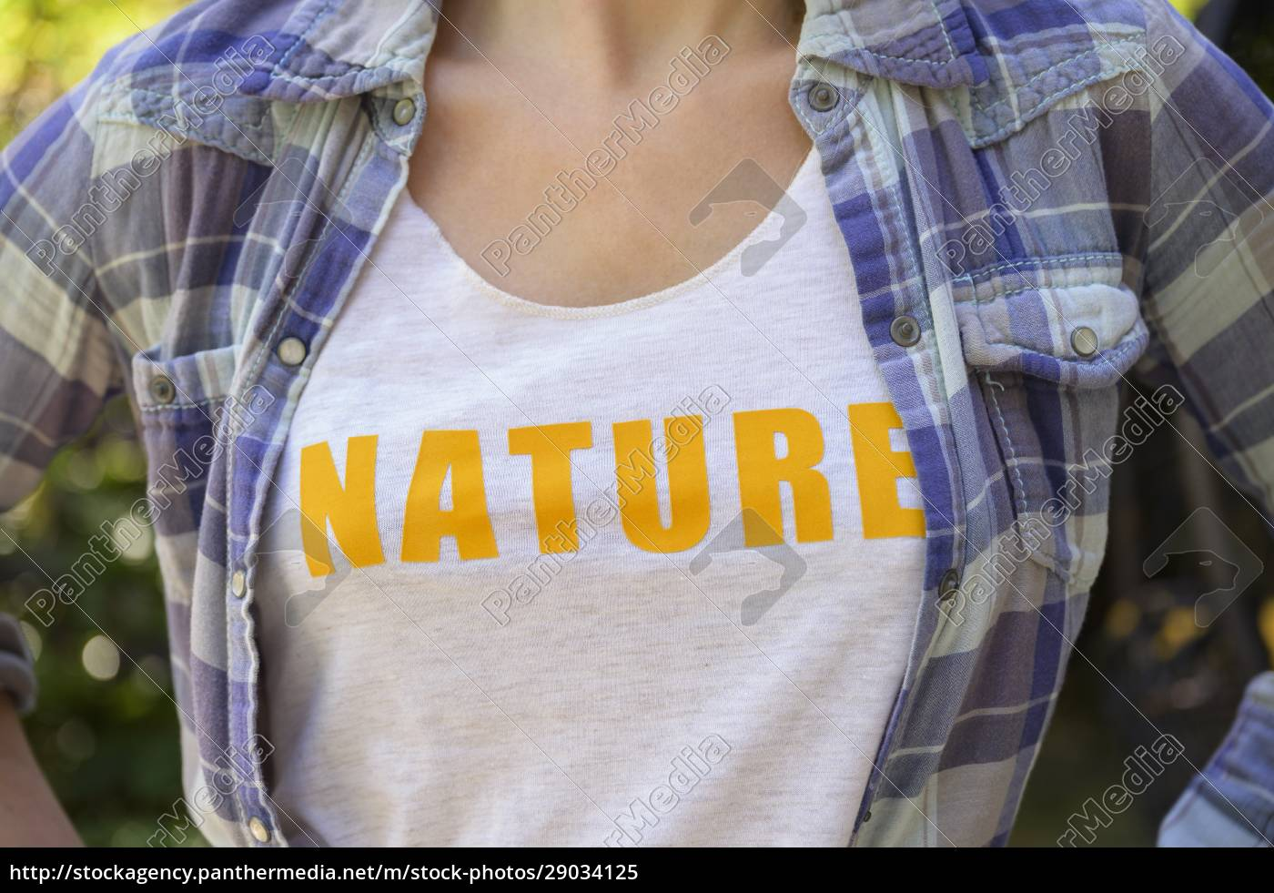 midsection, of, girl, (6-7), wearing, nature - 29034125