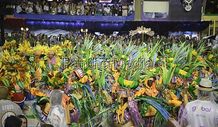 samba, parade, at, the, 2020, carnival, - 29040070