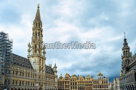 grand place square architecture brussels