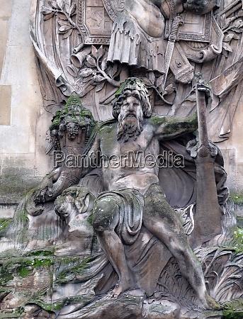 detail of the porte saint denis