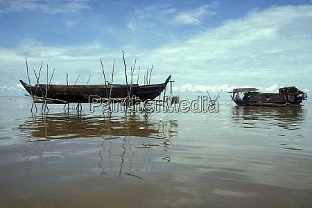 cambodia siem reap lake tonle sap