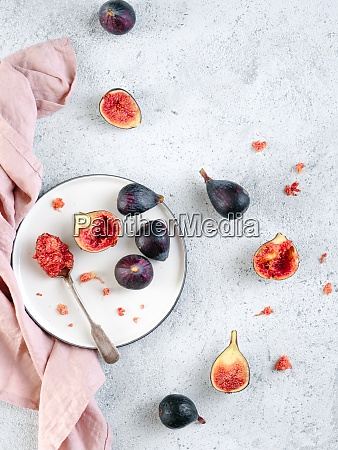 whole and half figs isolated topview