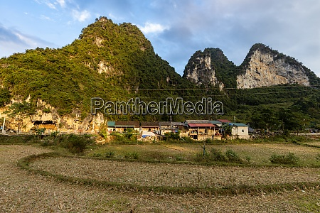 the landscape at ban gioc in