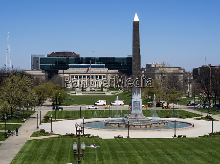 indiana war memorial plaza viewed from