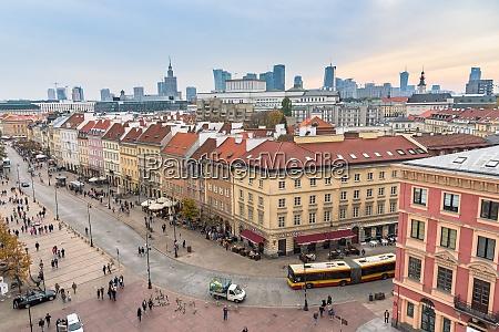 crowded krakowskie przedmiescie street in warsaw