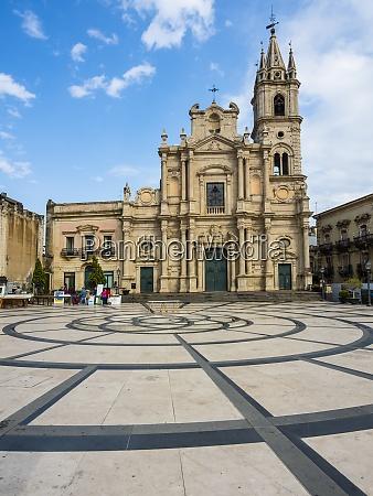 italy sicily acireale basilica santi pietro