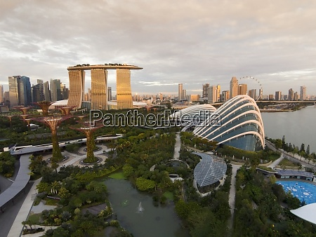 singapore gardens by the bay at