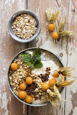 bowl of porridge with oats flax