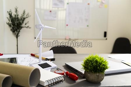 wind turbine shaped electric fan standing