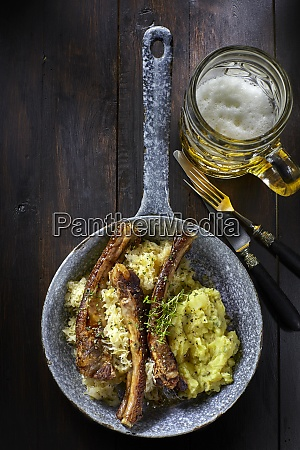 spare ribs with sauerkraut and mashed