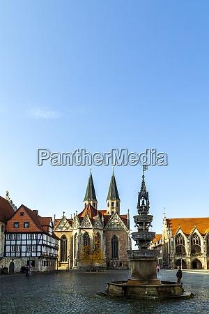 old town market square parish church