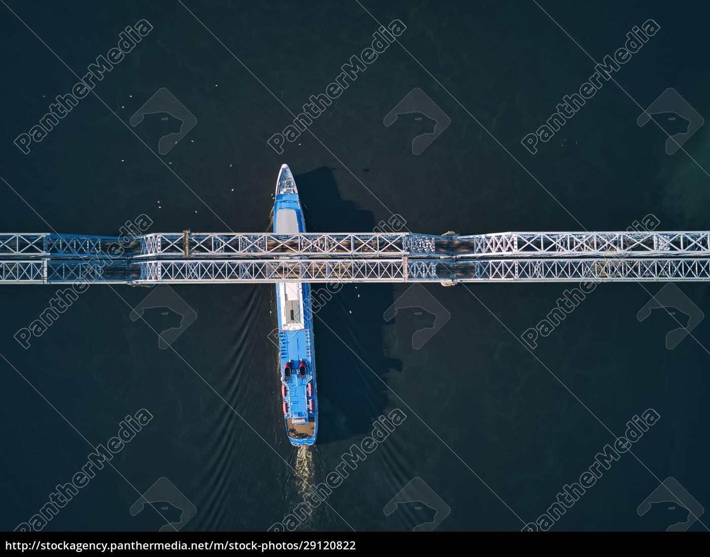 ship, passing, below, bridge, on, volga - 29120822