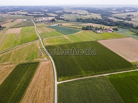 drone, view, of, countryside, fields - 29121721
