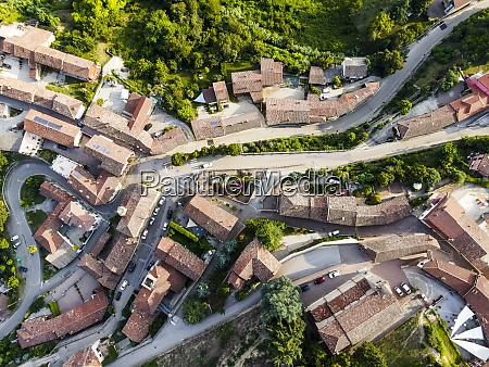 drone, view, of, roads, winding, through - 29121699