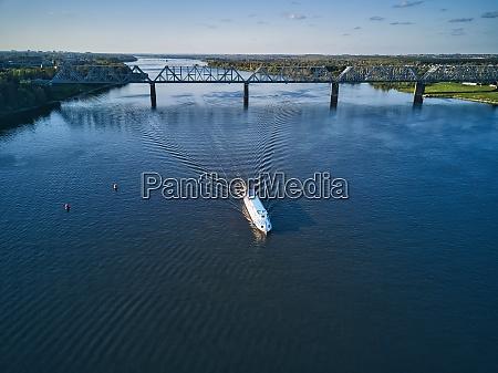 ship, on, volga, river, near, railway - 29121017