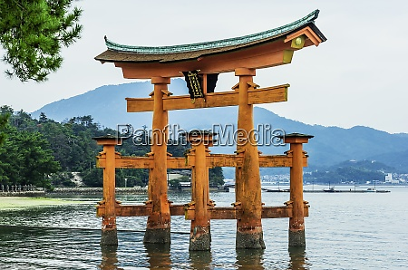 japan miyajima view to itsukushima shrine