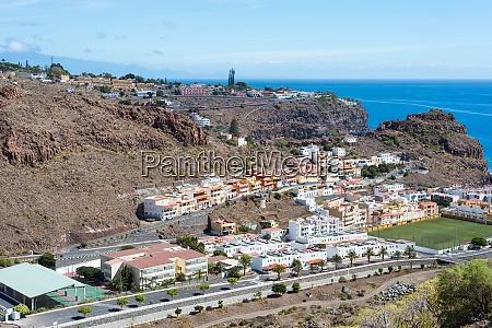 view down to playa de santiago