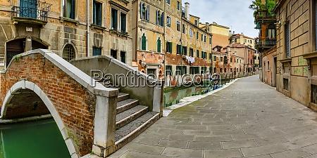 italy veneto venice short arch bridge