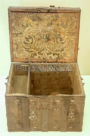 old wooden chest russian culture