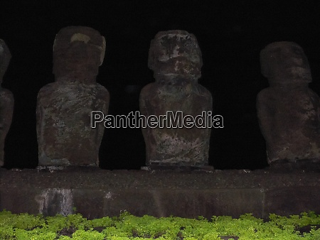 statues of gods of easter island
