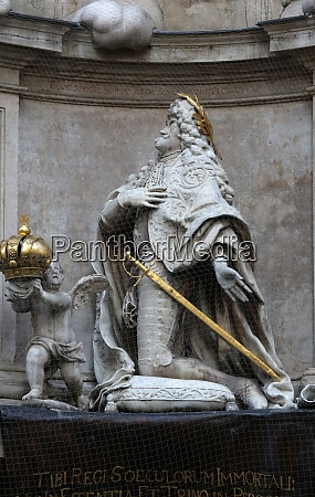 statue of emperor leopold praying plague