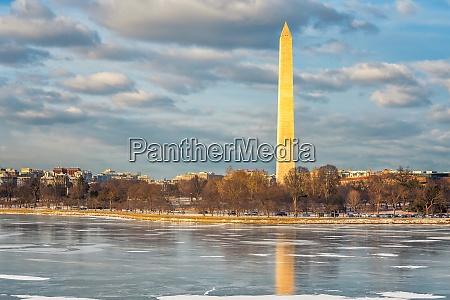 view on washington monument at winter