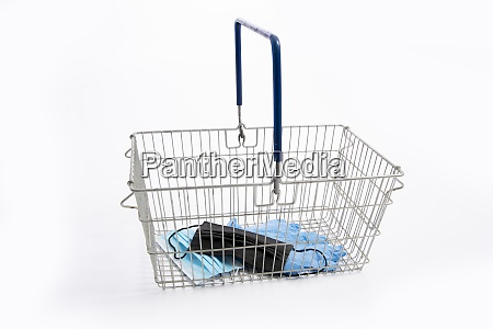 shopping basket with mouth protection and