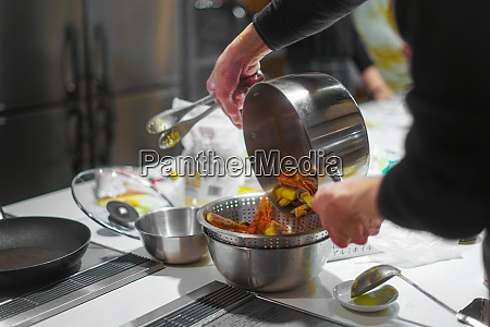 cooking scene of cooking classes