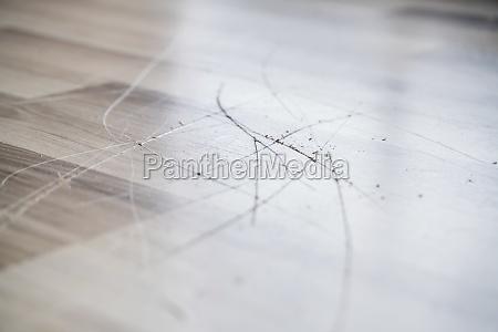 laminate floor surface scratch