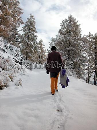 walk in the winter snow
