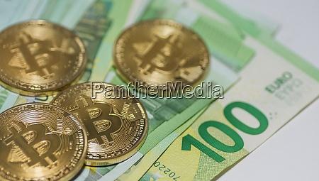 golden bitcoins and many 100 euro