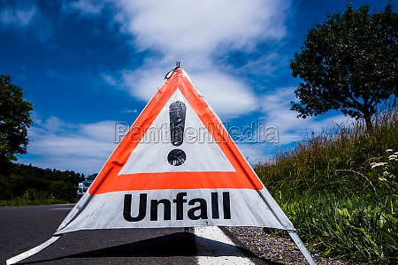 accident or crash warning sign