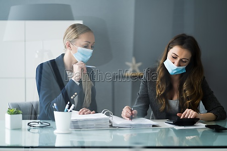 consultant advisor with sneeze guard