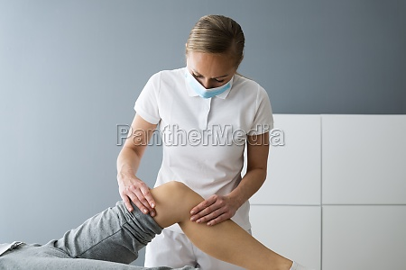 knee joint sports rehab massage and