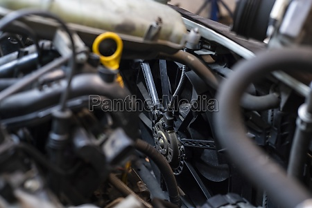 car engine cooling fan