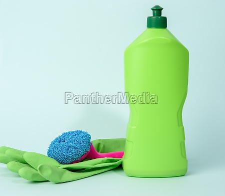 green rubber gloves for cleanin and