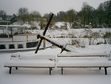 the excursion boat in winter on