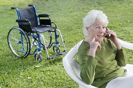 woman sitting in a park and