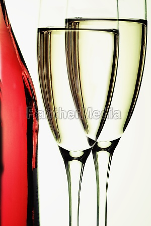champagne in champagne flutes