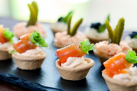 mini puff pastry tartlets with smoked