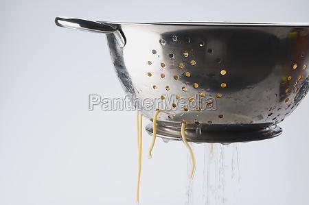 closeup of boiled spaghetti in a