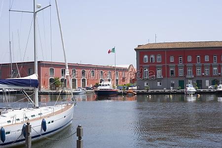 sailboat docked at a harbor porto
