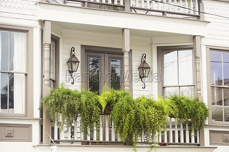 balcony of a building savannah georgia