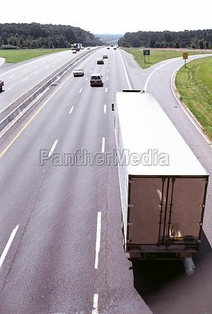 trucks on highway in maryland