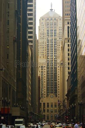 facade of a building chicago board