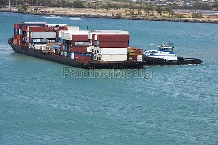 container ship in the sea mawi